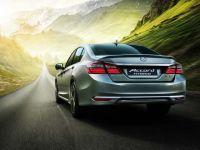 Honda Accord Hybrid 2