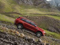 Ford Endeavour 2.2L Trend AWD MT 2