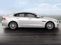 Jaguar XE Pure 2