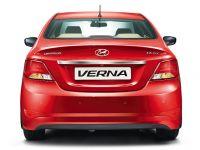 Hyundai 4S Fluidic Verna 1.6 CRDi SX AT 2