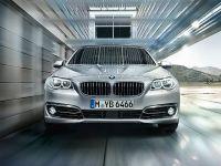 BMW 5 Series 520d Luxury 1