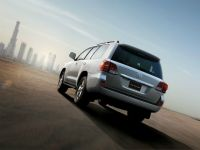 Toyota Land Cruiser VX 2