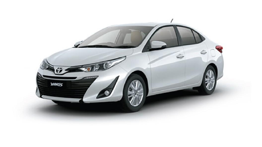 Toyota  Yaris Pearl White Colour