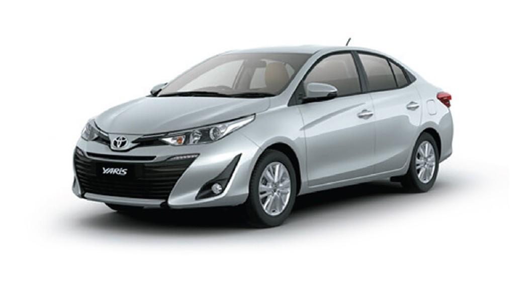 Toyota  Yaris Silver Metallic Colour