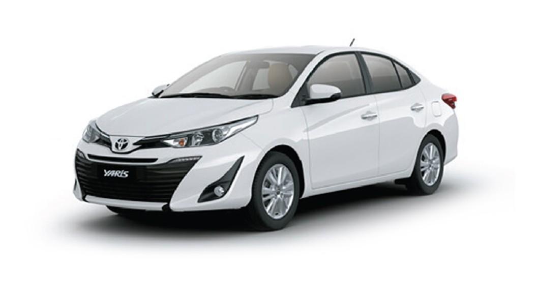 Toyota  Yaris Super White Colour