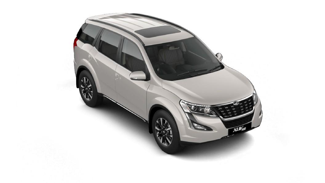 Mahindra  XUV500 Pearl White Colour