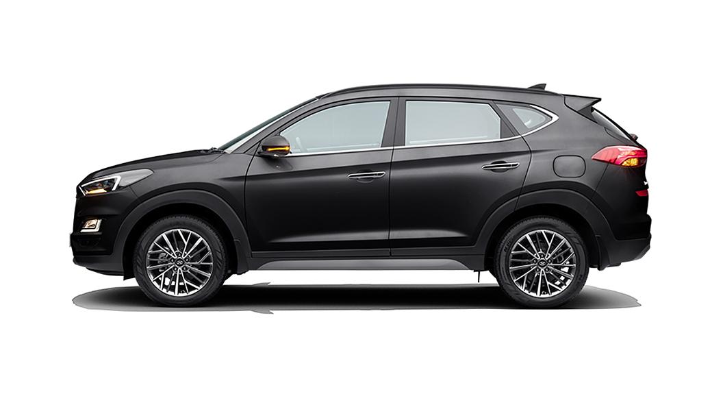 Hyundai  Tucson Phantom Black Colour