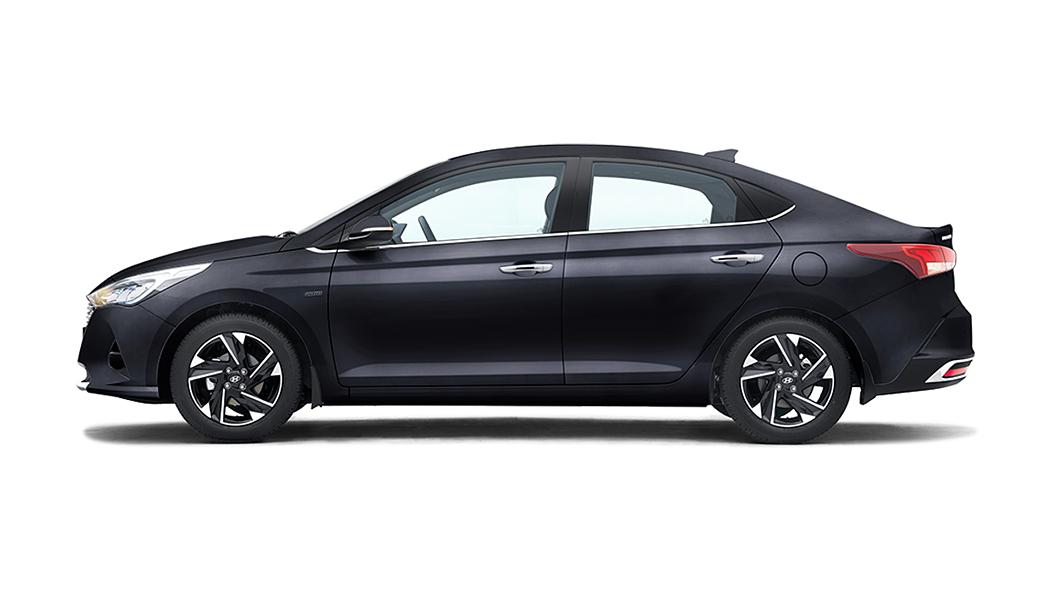 Hyundai  Verna Phantom Black Colour