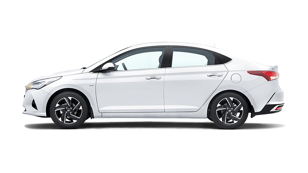 Hyundai  Verna Polar White Colour