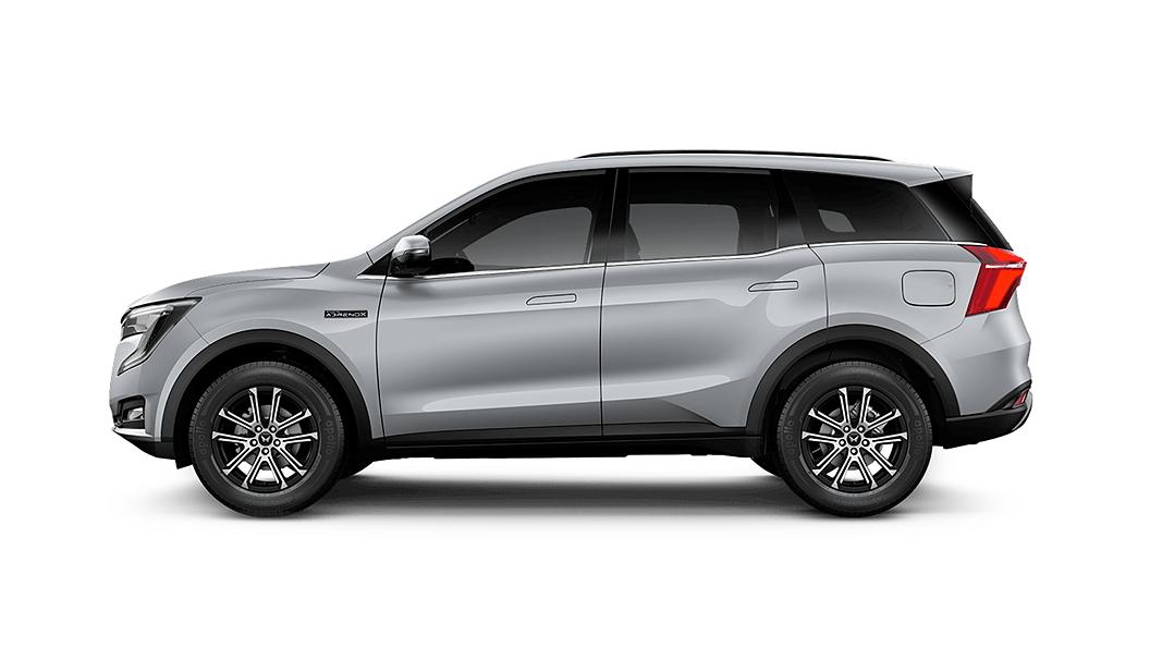 Mahindra  XUV700 Dazzling Silver Colour
