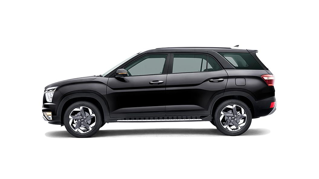 Hyundai  Alcazar Phantom Black Colour