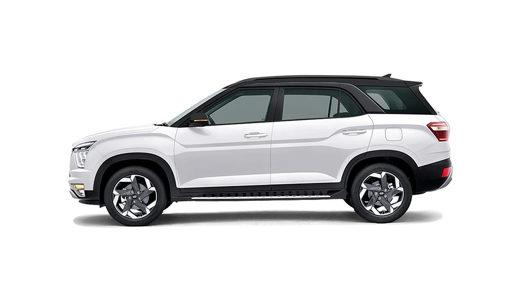 Hyundai  Alcazar Polar White with Phantom Black Roof Colour