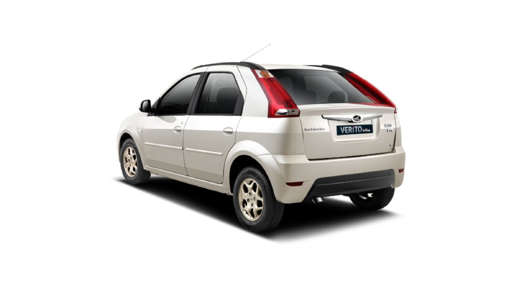 Mahindra  Verito Vibe CS Diamond White Colour