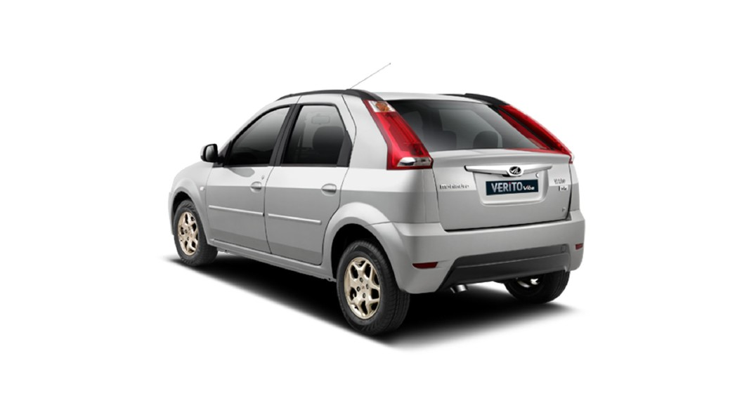Mahindra  Verito Vibe CS Mist Silver Colour