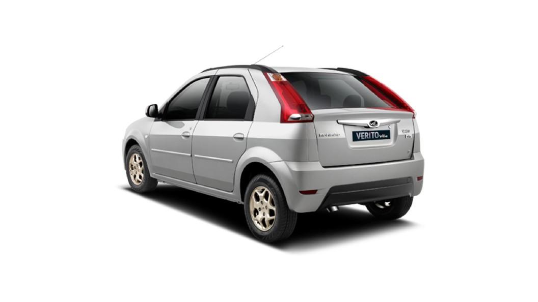 Mahindra  Verito Vibe CS Mist Silver Colour