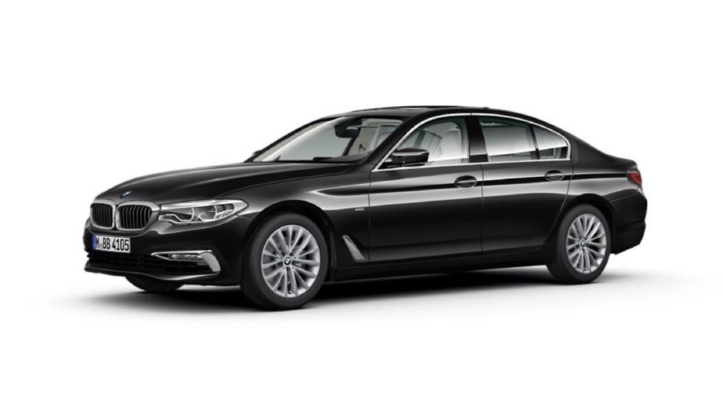 BMW  5 Series Black Sapphire Colour
