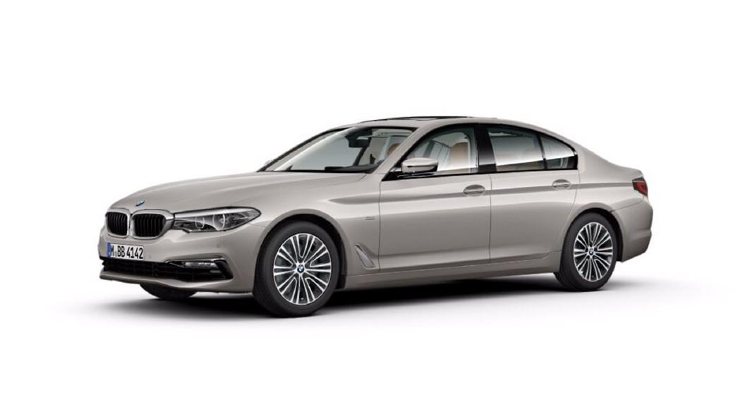 BMW  5 Series Cashmere Silver Colour