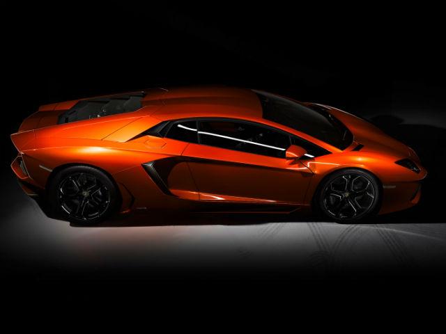 Lamborghini Aventador Photos - Interior & Exterior Images ...