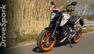 KTM Duke 125 Review (Walkaround): Performance, Specs, Features & More