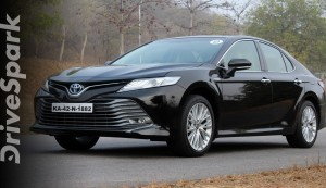 2019 Toyota Camry Hybrid Review: Specs, Performance, Features & Design