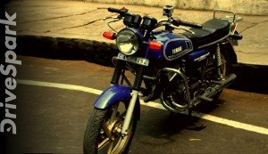 #FlashbackFriday: Riding A Yamaha RD350 Through Bangalore In 2012