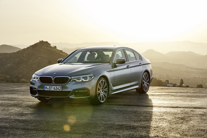 2017 BMW 5 Series Photos