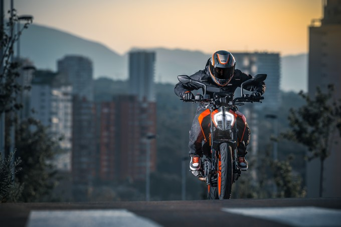2017 Ktm Duke 390 Images Hd Photo Gallery Of 2017 Ktm