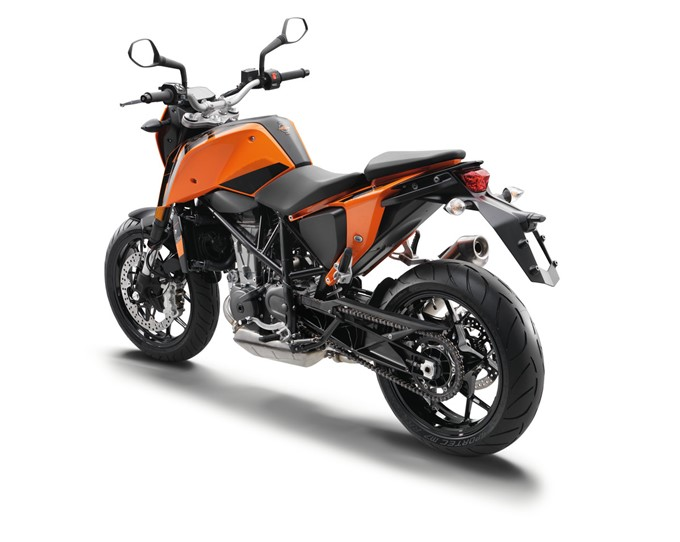 2017 ktm duke 690 images photo gallery of 2017 ktm duke 690 drivespark. Black Bedroom Furniture Sets. Home Design Ideas