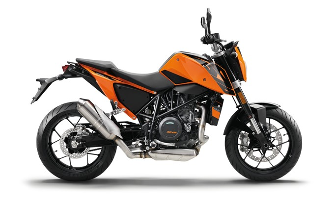 2017 KTM Duke 690 Photos