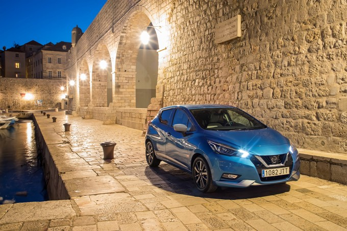 2017 Nissan Micra Photos