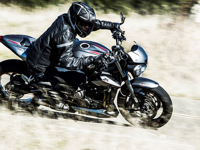 2017 Triumph Street Triple Range Photos