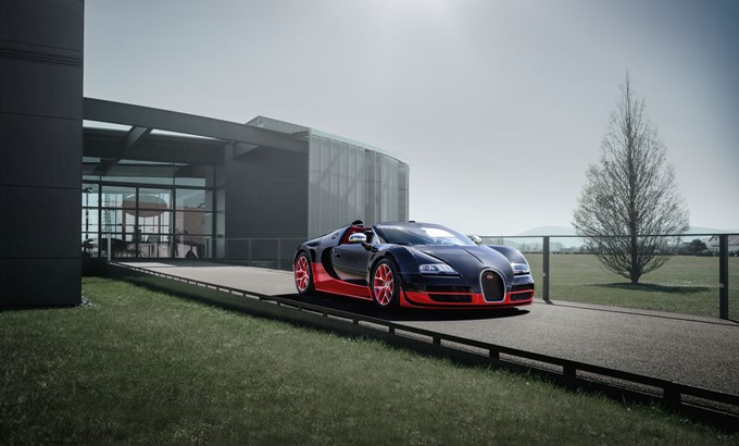 Bugatti Veyron 16.4 Grand Sport Vitesse Photos