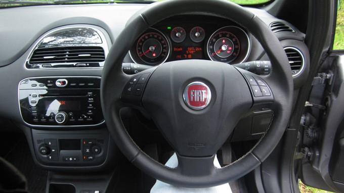 Fiat Punto Evo Images: Interior & Exterior Photos of Fiat Punto Evo ...
