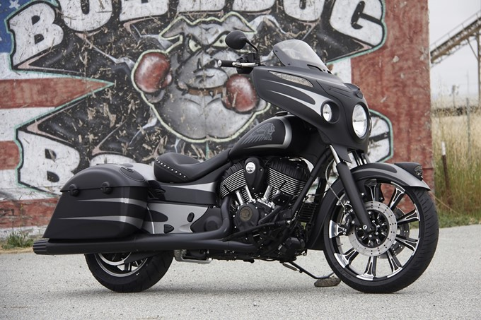 Indian Chieftain Dark Horse Photos