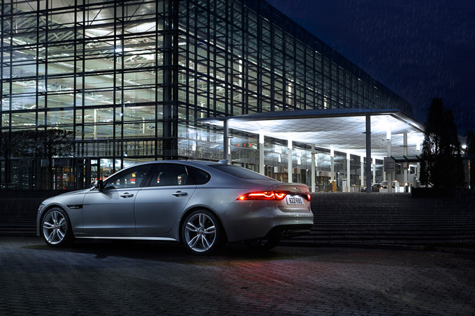 Jaguar XF Photos