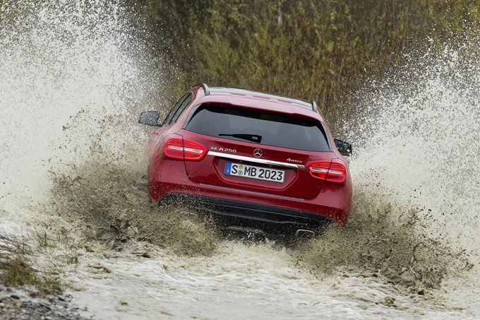 Mercedes-Benz GLA Photos