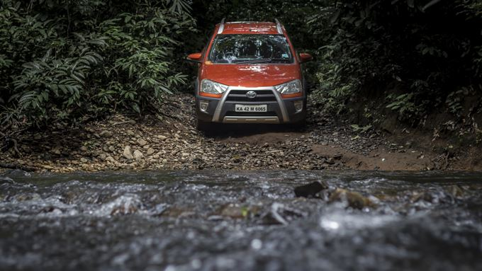 Toyota Etios Cross Photos