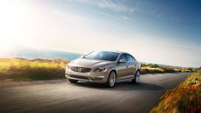 Volvo S60 Photos