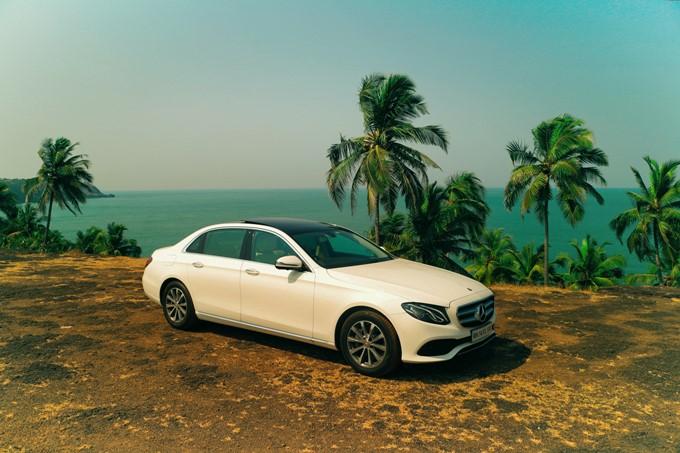 2017 Mercedes-Benz E-Class Long Wheelbase Images