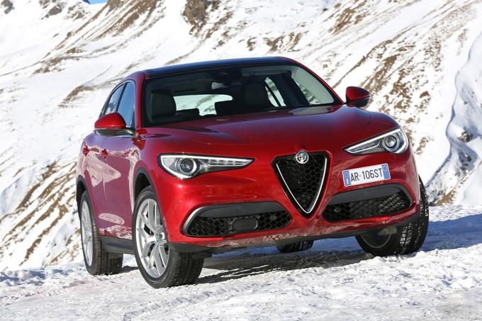 Alfa Romeo Stelvio Images Interior Exterior Photos Of Alfa Romeo Stelvio Drivespark