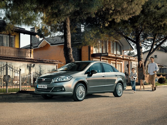 Fiat Linea Photos
