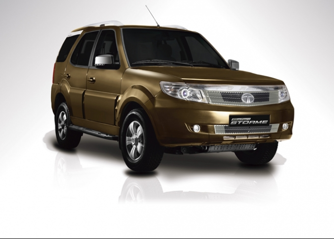 Tata Safari Storme Photos