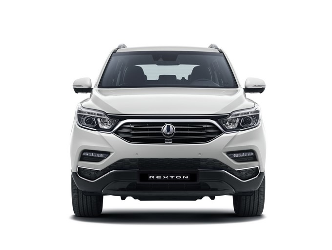 2017 SsangYong Rexton Photos