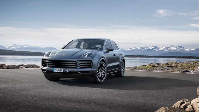 2017 Porsche Cayenne Photos