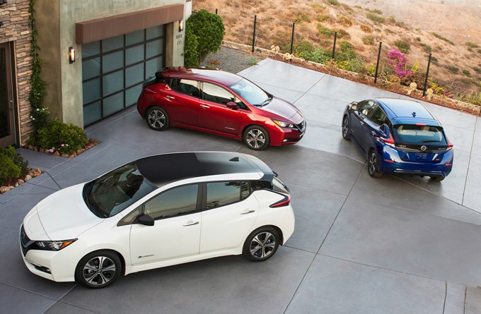 2017 Nissan Leaf Photos