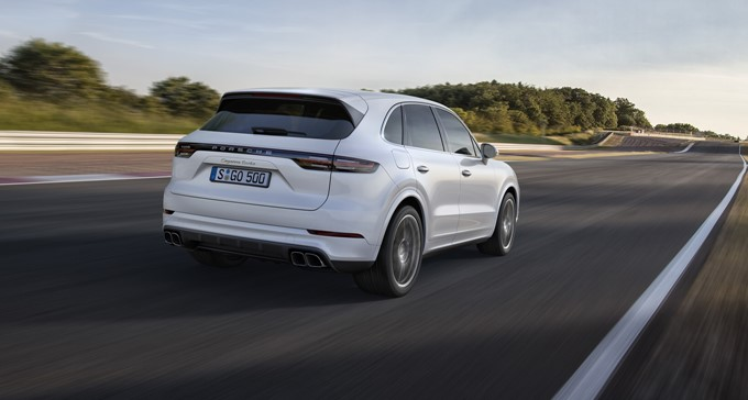 2017 Porsche Cayenne Turbo Photos