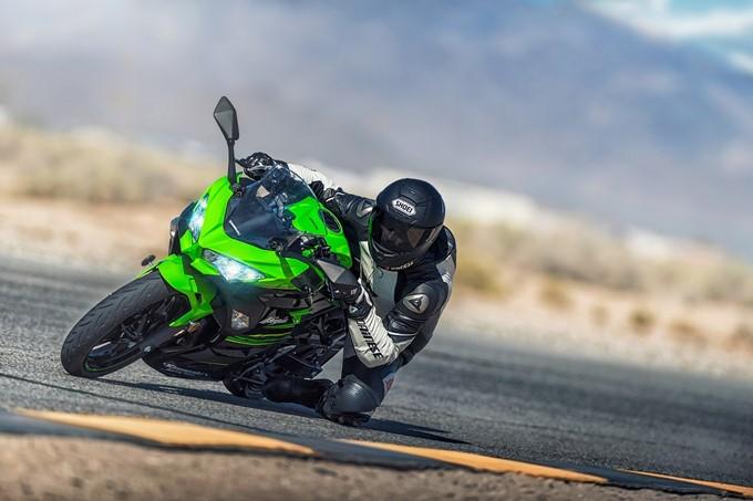 Kawasaki Ninja 400 Photos