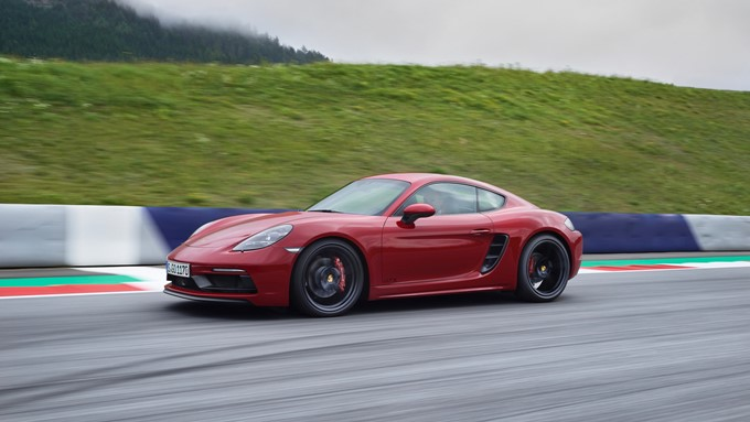 Porsche 718 Cayman GTS Photos