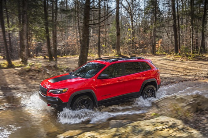 2018 Jeep Cherokee Photos