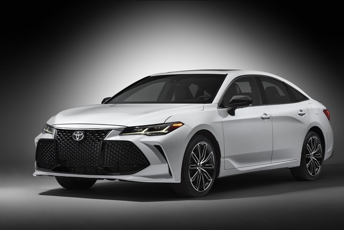 2018 Toyota Avalon Touring Photos